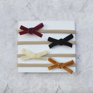 Set of 4 headbands with bows